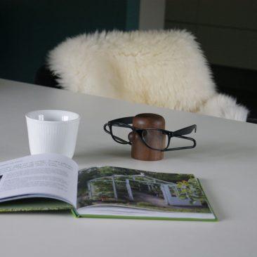 dot aarhus - NOSEY brilleholder i valnød - Black