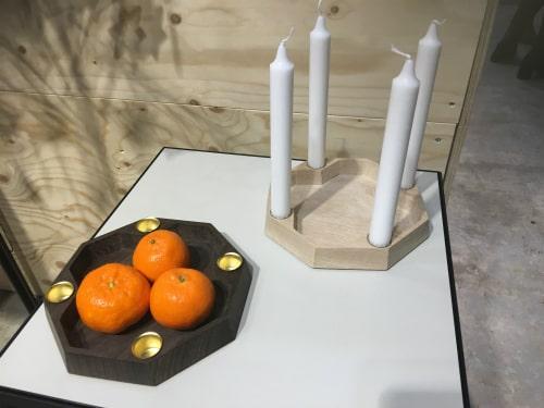 Skål og adventskrans i natur egetræ og røget egetræ fra Köhne-Design til FORMLAND 2019