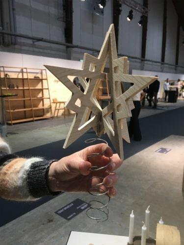 Topstjerne i egetræ fra Köhne-Design til FORMLAND 2019