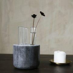 Vase i sort marmor fra House Doctor
