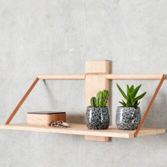 Shelf Wood Wall hylde i egetræ fra Andersen Furniture