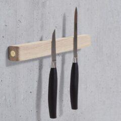 Knivmagnet i egetræ fra Andersen Furniture