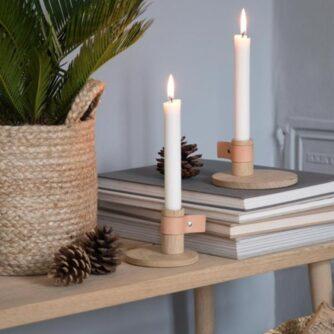 Lysestage Bright Light Lille i egetræ og læder fra by Wirth